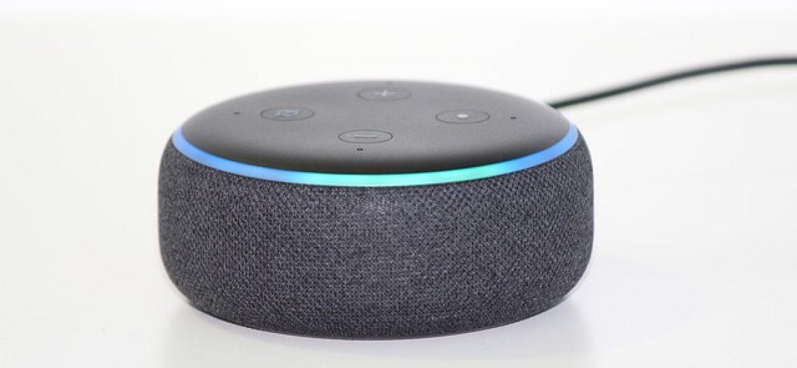Come si collega Alexa alla TV e come usare l'assistente vocale